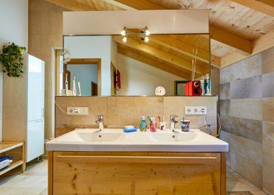 Badezimmer Massivholzmöbel