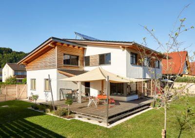 Vollholzhaus mit Terrasse