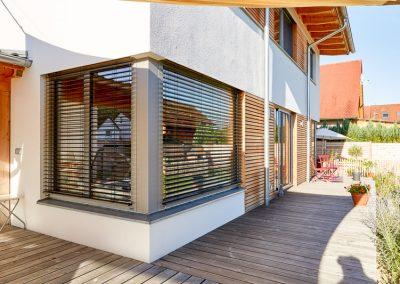 VollholzhausTerrasse Holz-Alu Eckfenster