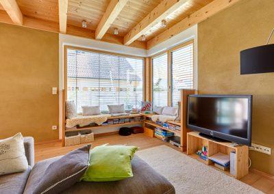 Wohnzimmer Eckfenster Sitzbank