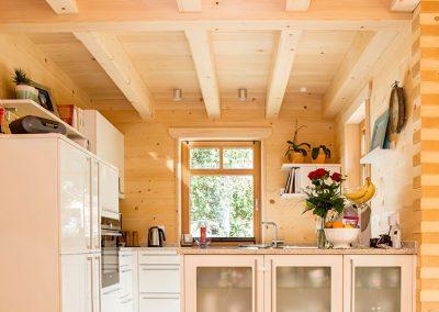 Massivholzküche in Block28 Haus